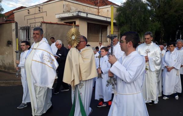 CELEBRAÇÃO DE CORPUS CHRISTI 2018 – CRISTO VIVO NO MEIO DE NÓS